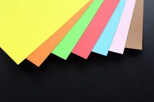 בריסטולים צבעוניים